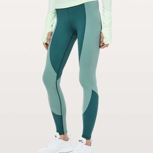 Lululemon Wake and Train leggings size 6